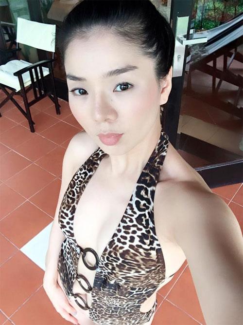 """le quyen khoe hanh phuc ngot ngao ben chong dai gia khien fan """"ghen ti"""" - 3"""