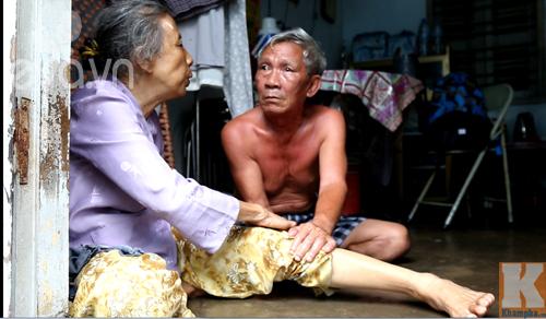 40 nam khong mot mun con, nguoi chong van yeu vo mu nhu the! - 4