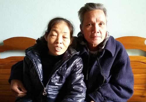 """""""di ghe con chong"""" va hai cau chuyen cham den trai tim - 3"""