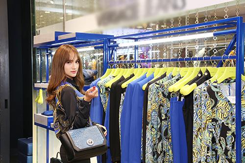 """huong giang idol dien """"cay"""" hang hieu di mua sam - 7"""