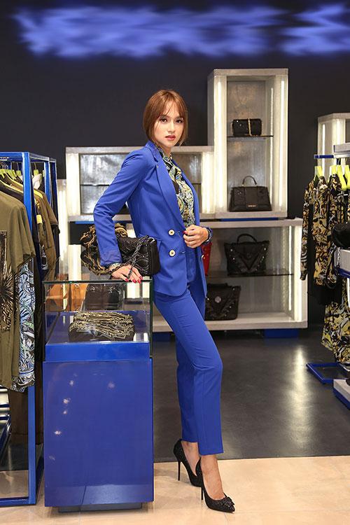 """huong giang idol dien """"cay"""" hang hieu di mua sam - 3"""