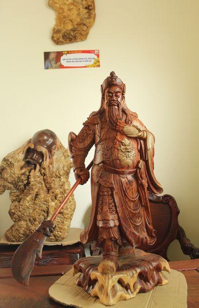 thang co hon: doi rem cua, treo den long, dot nhang thom,...don binh an - 4