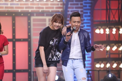 ky phung dich thu: hari won tang bikini cho ngoc trinh tren song truyen hinh - 5