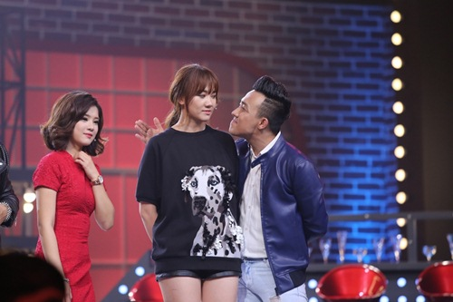 ky phung dich thu: hari won tang bikini cho ngoc trinh tren song truyen hinh - 6