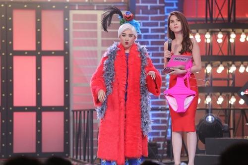 ky phung dich thu: hari won tang bikini cho ngoc trinh tren song truyen hinh - 8