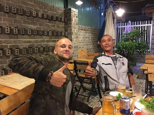 chuyen thu vi ve anh chang tay mang ca 'nha di dong' di phuot toi viet nam - 7