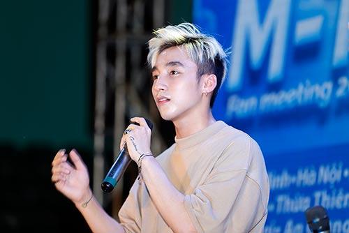 """mac scandal """"dao nhac"""", son tung van vui ve hop fan o que huong thai binh - 8"""
