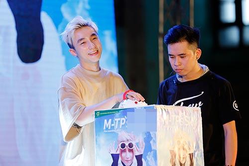 """mac scandal """"dao nhac"""", son tung van vui ve hop fan o que huong thai binh - 3"""