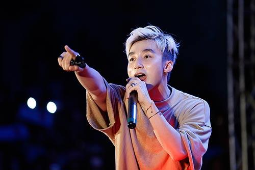 """mac scandal """"dao nhac"""", son tung van vui ve hop fan o que huong thai binh - 9"""