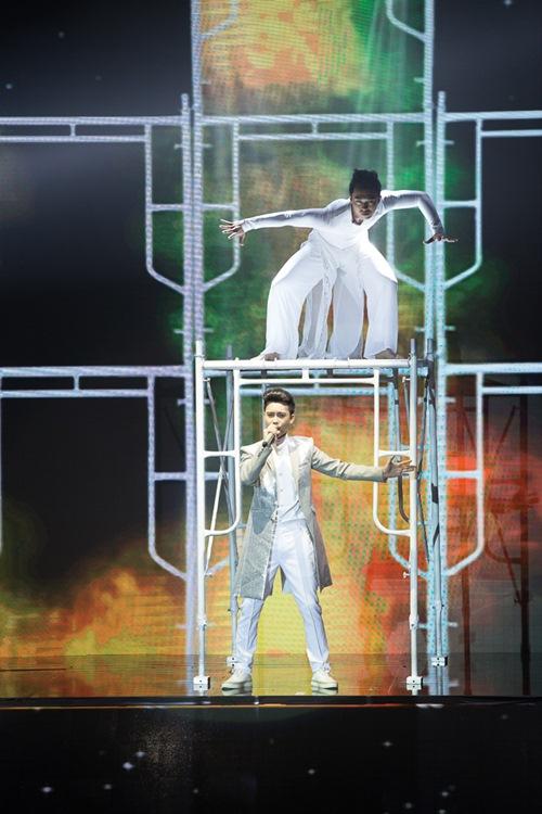 "x-factor: khanh thi xuat hien goi cam - minh nhu ""gay sot"" voi hit cua hari won - 19"