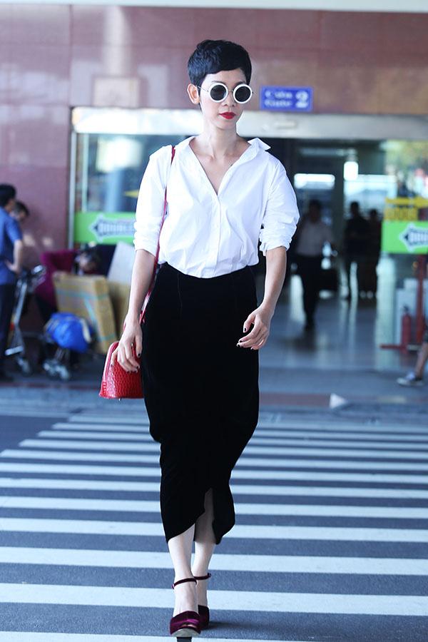 "vietnam's next top model: 3 nguoi dep ""thet ra lua"", giau, gioi va nong bong - 23"