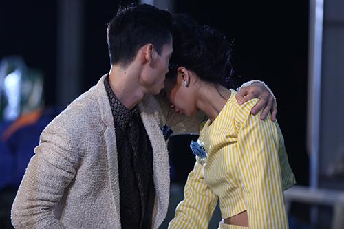 "viet nam next top model: loat ""anh nong"" lam ro len tin don cac thi sinh yeu nhau - 11"
