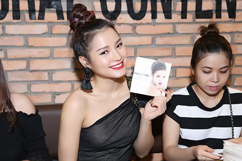 """ban trai tay"" tan tinh cham soc phuong trinh jolie - 8"