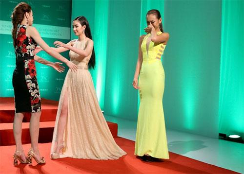 "tv show tuan qua: huong - khue ""that the"" duoi tay ha ho, vietnam idol gap su co - 9"