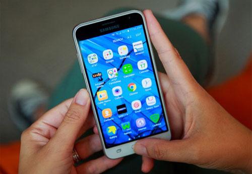 "top 6 smartphone pin ""trau"" nhat thi truong - 6"
