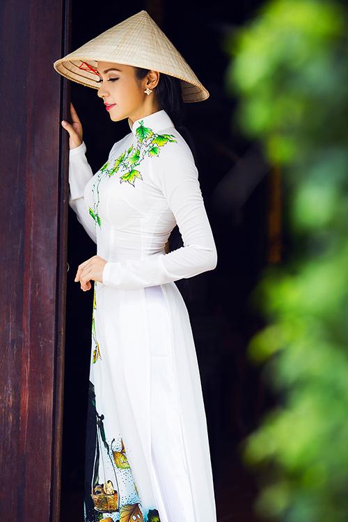viet trinh khoe nhan sac vuot thoi gian voi ao dai - 12