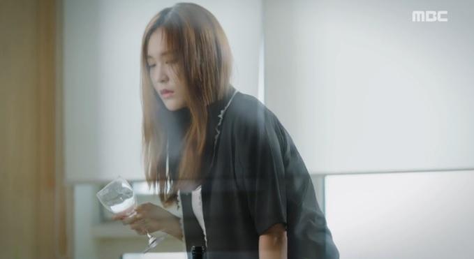 "hai the gioi tap 8: hau qua cua viec han hyo joo ""xen vao doi"" lee jong suk - 9"