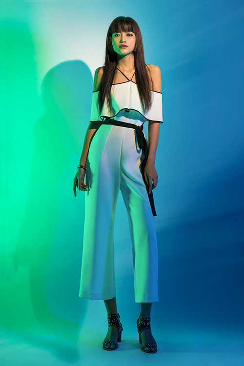 next top model: chinh anh qua da, hot girl 1m55 chan bong dai nhu 1m7 - 7