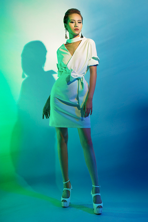 next top model: chinh anh qua da, hot girl 1m55 chan bong dai nhu 1m7 - 12