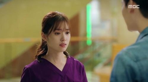 """hai the gioi"" tap 9: han hyo joo chet lang vi lee jong suk da quen co - 7"