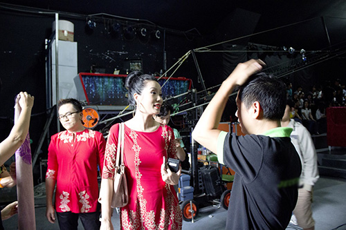 a hau trinh kim chi dat show lam giam khao - 5