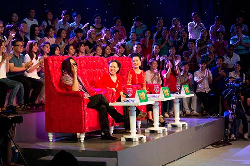 a hau trinh kim chi dat show lam giam khao - 7
