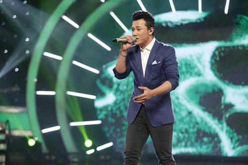 vietnam idol: co gai ngoai quoc lam thu minh, bang kieu nghe khong hieu van ngat ngay - 12