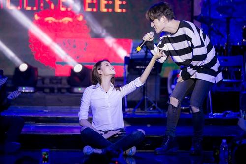 """hh pham huong tuoi tan hop fan giua """"tam bao"""" the face - 7"""