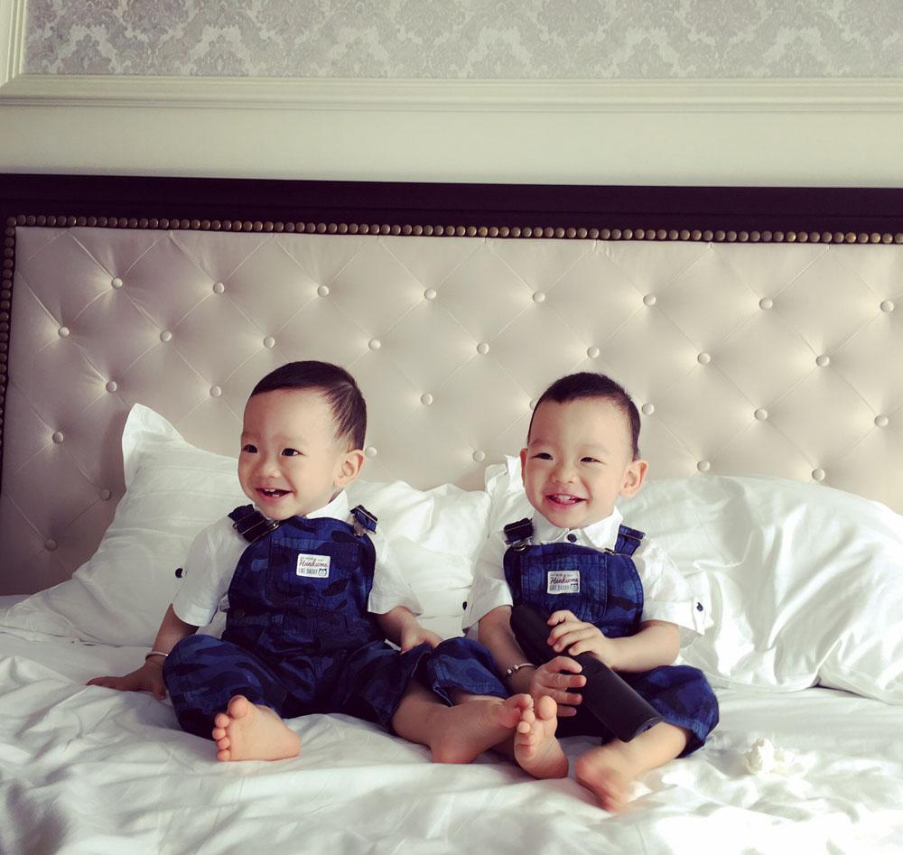 co 2 con trai khau khinh, co gai nay van dat gia nhu thoi son roi - 2
