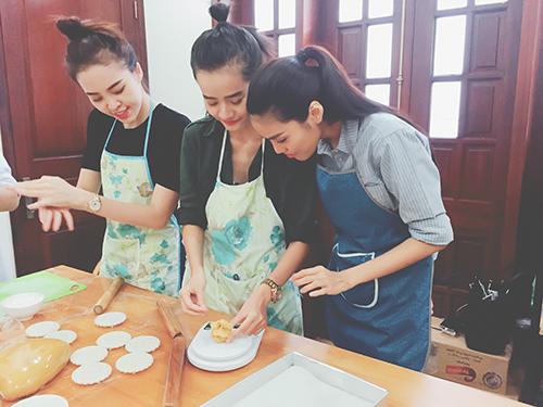team lan khue lam banh trung thu tang tre em ngheo - 3