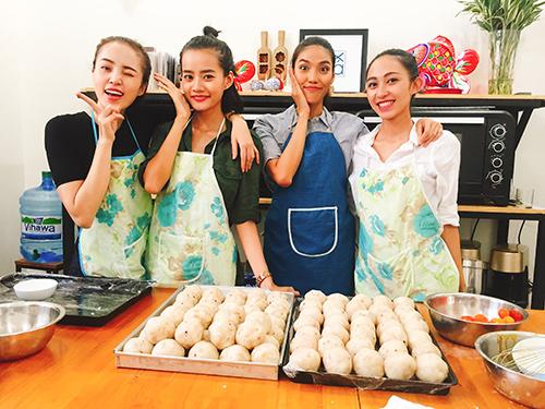 team lan khue lam banh trung thu tang tre em ngheo - 11