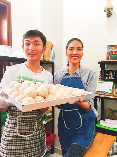 team lan khue lam banh trung thu tang tre em ngheo - 5
