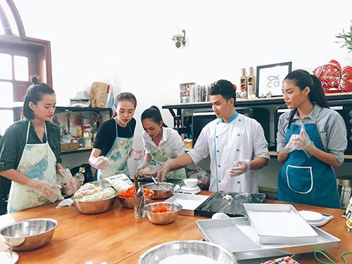 team lan khue lam banh trung thu tang tre em ngheo - 8