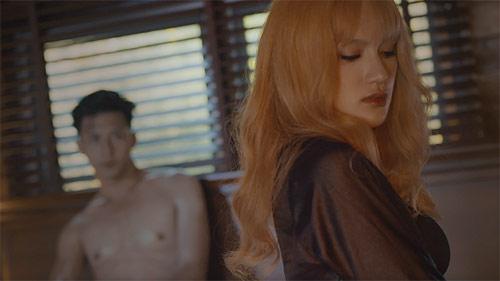 """bi """"so gay"""", huong giang idol cat 50% canh nong trong mv moi - 8"""
