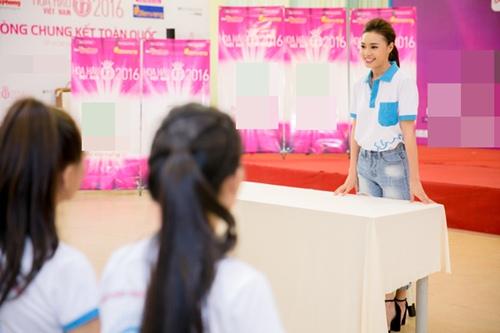 lan ngoc chia se cach vuot scandal cho thi sinh hh viet nam 2016 - 4