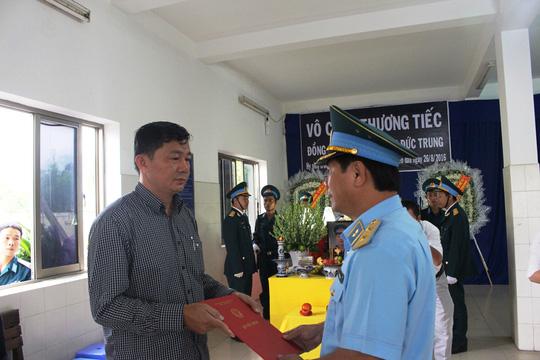 thang ham thieu uy cho phi cong roi may bay l-39 - 3