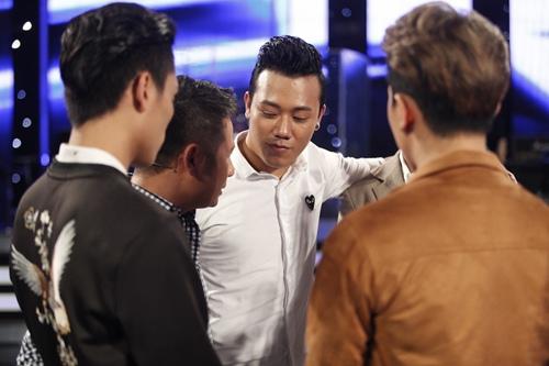 """vietnam idol: chang trai """"bun bo"""" khien giam khao tiec nuoi khi ra ve - 6"""