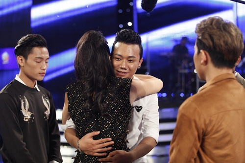 """vietnam idol: chang trai """"bun bo"""" khien giam khao tiec nuoi khi ra ve - 7"""