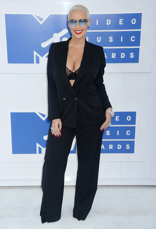 """lac mat"" ngam kim kardashian dien do xuyen thau toi mtv video music awards - 8"