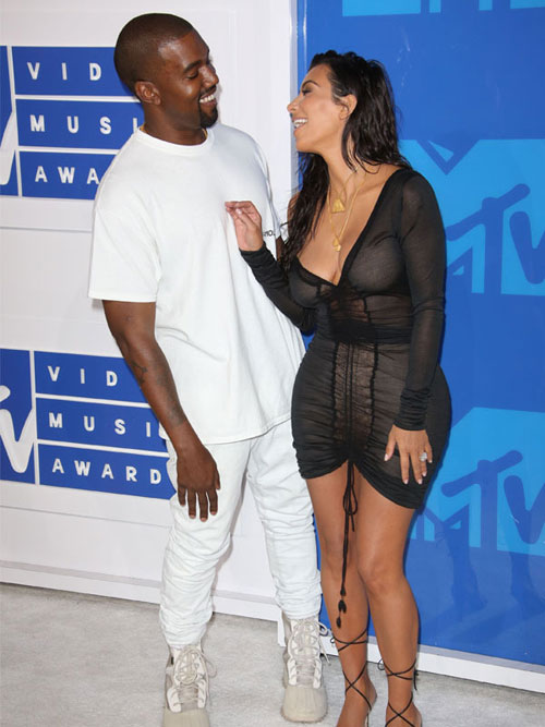 """lac mat"" ngam kim kardashian dien do xuyen thau toi mtv video music awards - 3"