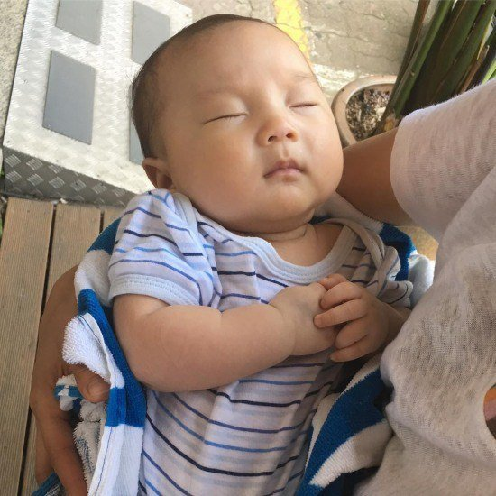 """chua khao da xung"", park shin hye khoe em ho, khang dinh khong phai con trai - 1"
