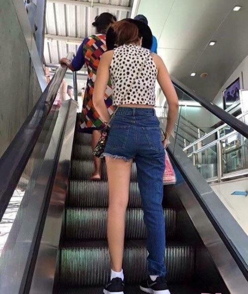 1001 kieu quan jeans khong ai nghi co the ton tai tren doi - 2