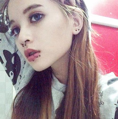 Cô gái Sài Gòn 19 tuổi gây chú ý vì đeo khuyên kín môi-10