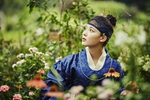 """""""may hoa anh trang"""" tap 3: kim yoo jung sung so khi biet minh dang """"choi voi ho"""" - 2"""