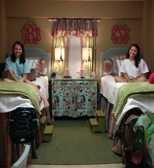 Nữ sinh xinh đẹp biến phòng ký túc nhàm chán hóa sang như khách sạn 5 sao-5