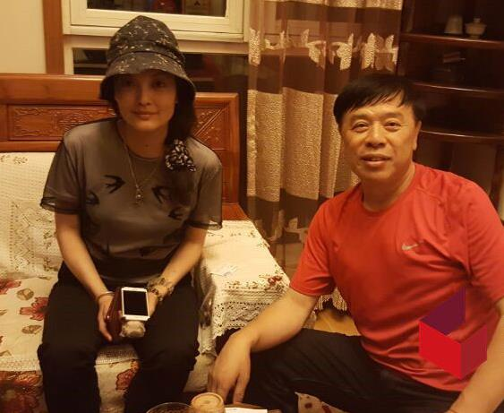 vo cua dao dien truong ky trung bi to ngoai tinh voi chinh con nuoi - 3