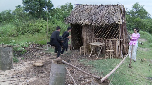 """ai my nhan"": thuy diem doi lot ao, cao mat bo nhi luong the thanh - 7"