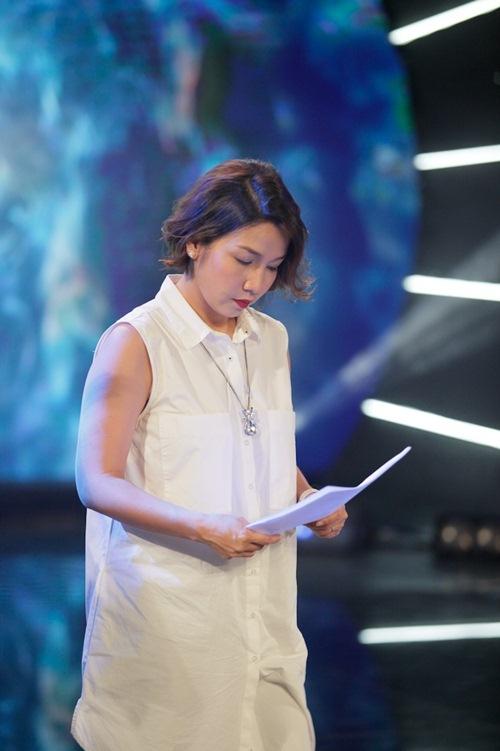 Diva Mỹ Linh xinh đẹp đi dạy hát cho thí sinh Vietnam Idol-8