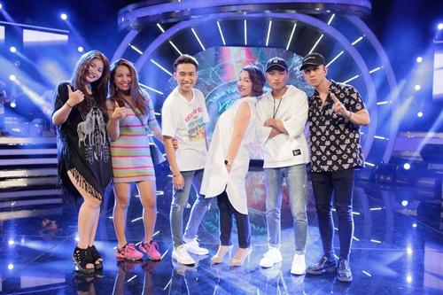 Diva Mỹ Linh xinh đẹp đi dạy hát cho thí sinh Vietnam Idol-10