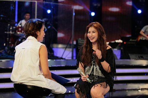 Diva Mỹ Linh xinh đẹp đi dạy hát cho thí sinh Vietnam Idol-13